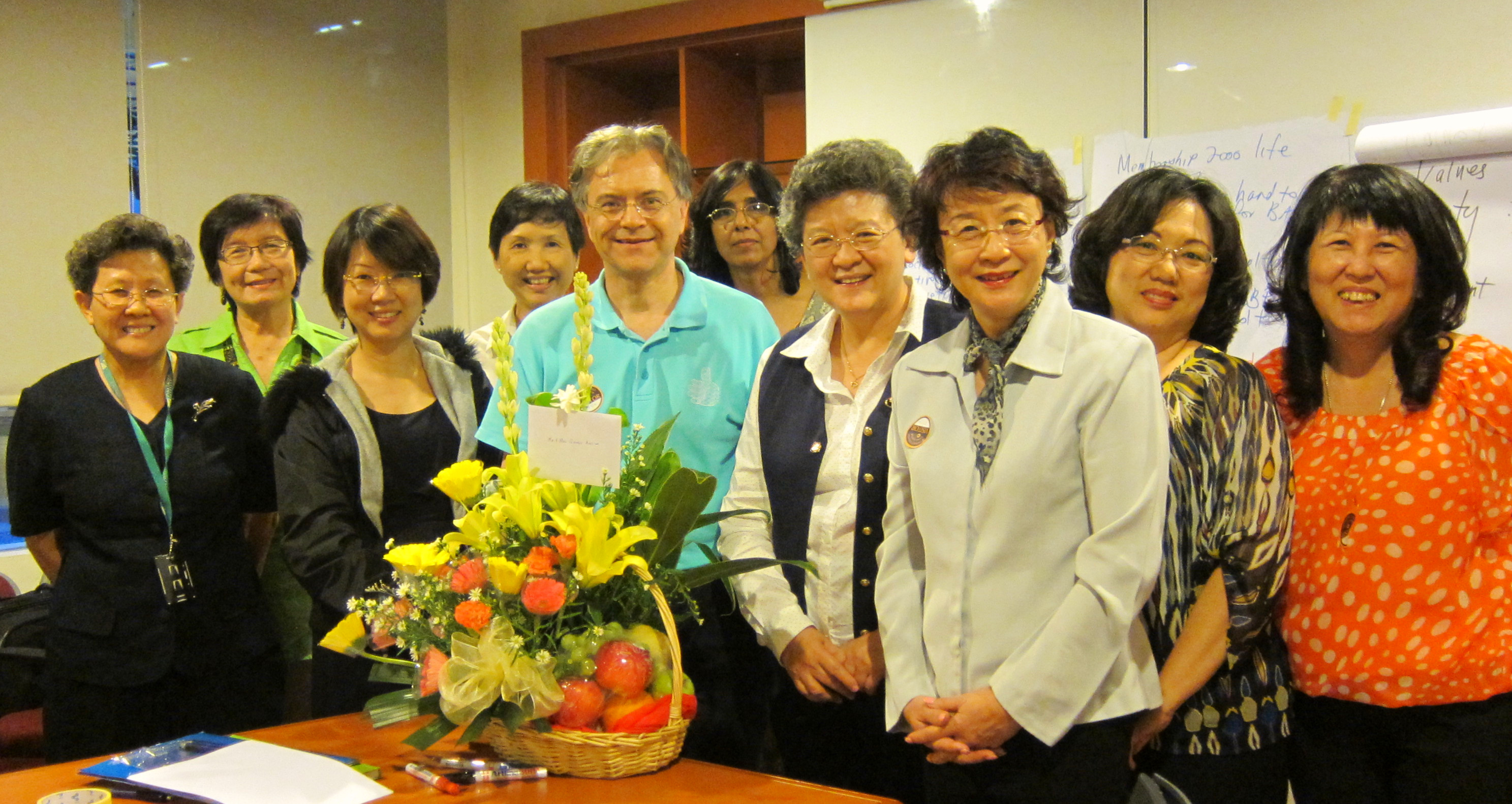 L-R, Front Row: Yap Sze Peng, Choo Li Shen, George Aveling, Moey Yoke Lai, Phang Sow Yoong, Fong Lai Leng and Jacyln Chin. L-R, Back Row:  Khoo Suat Pheng, Jennifer Cheong and Uma Rajasingam,